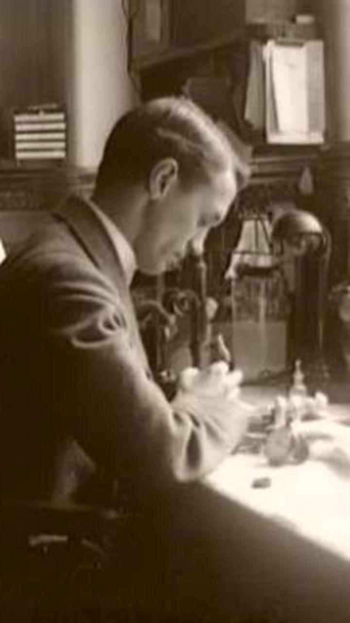 Découverte de la pénicilline par Fleming - Vidéo Sciences de la ...